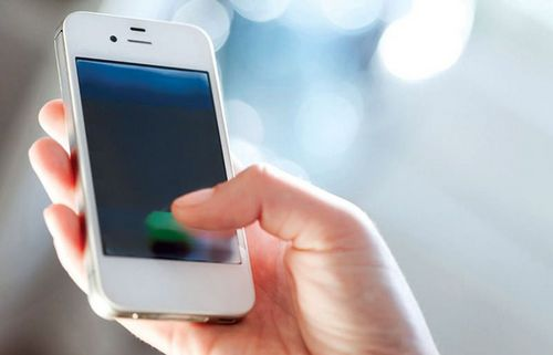Типичный пользователь прикасается к экрану смартфона 1 млн раз в год