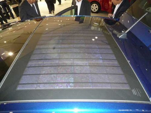 Toyota prius дебютирует с солнечными панелями от kyocera