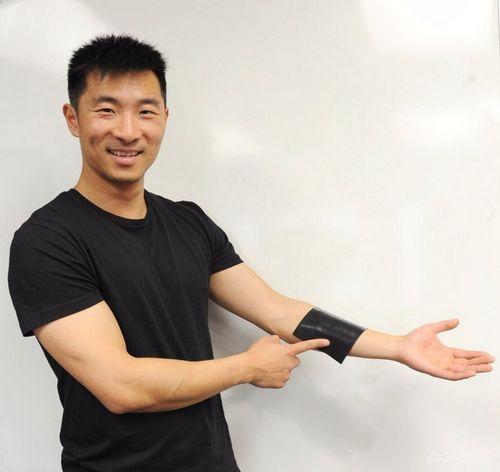 Ученые создали гибкую клавиатуру-резинку (2 фото)