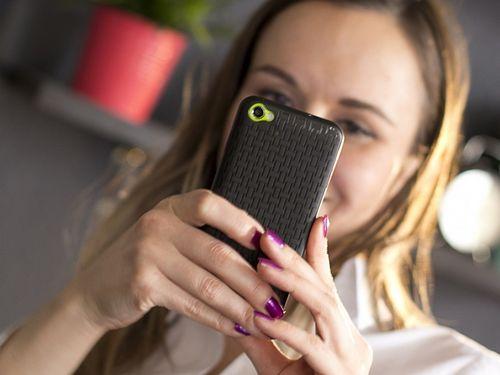 Учёные нашли новую причину зависимости от смартфонов