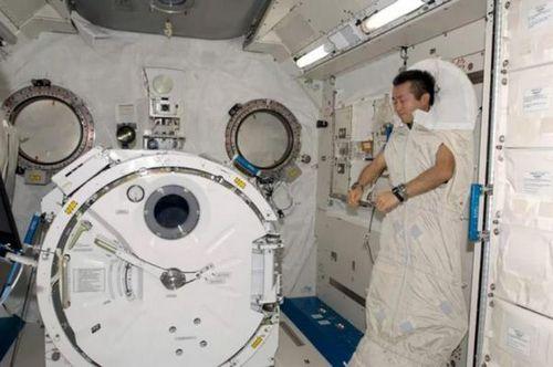 В россии думают над созданием сауны и стиральной машины для космической станции