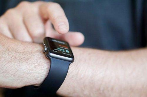 Владельцы жалуются на работу смарт-часов apple watch