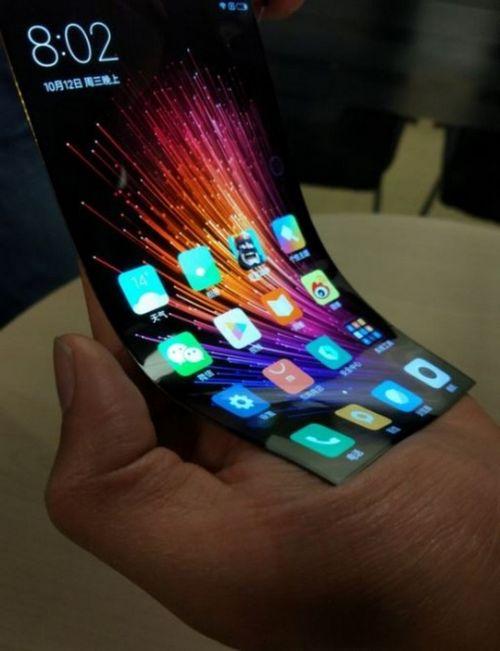 Xiaomi разрабатывает собственное гибкое устройство (2 фото + видео)