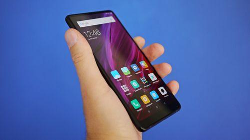 Xiaomi уже работает над смартфоном mi mix ii