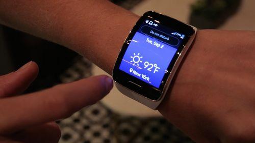 Zte представит прямого конкурента «умным» часам galaxy gear уже в начале 2014 года